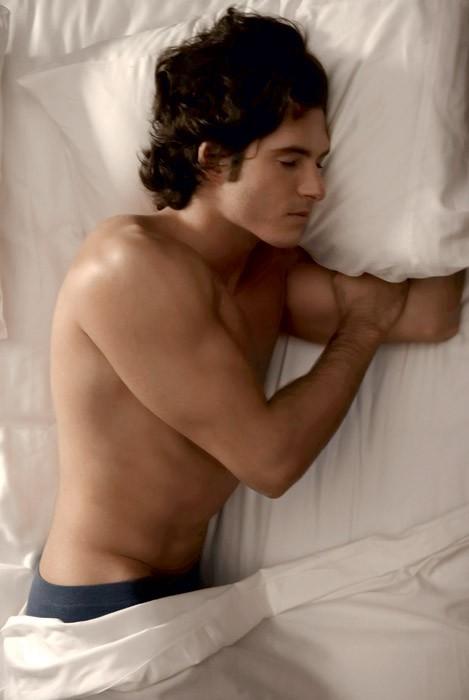 Poglej, kaj o moškem razkriva položaj, v katerem spi (foto: Butch Hogan)
