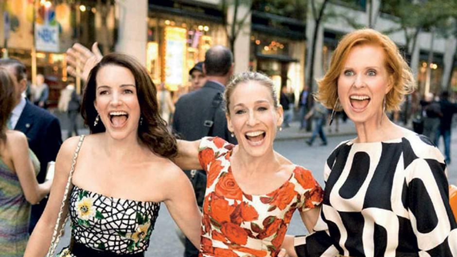 S prijateljicami je v New Yorku res mega. (foto: cosmo junij 2010)