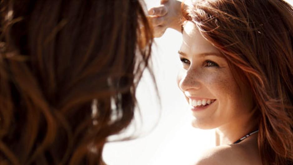 Na ženske močno vpliva mamičino obnašanje. (foto: Nick Onken, Shutterstock)