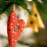 Reciklirani novoletni okraski (foto: Marck Baptiste, Shutterstock, arhiv proizvajalcev, istockphoto.com)