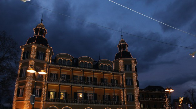 Pravljicni hotel v Veldnu. (foto: Petra Arula)