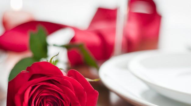 Nagrade! Romantična večerja v dvoje na valentinovo! (foto: shutterstock, promocijsko)