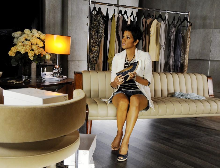 Halle Berry z lastno kolekcijo čevljev (foto: promocija)