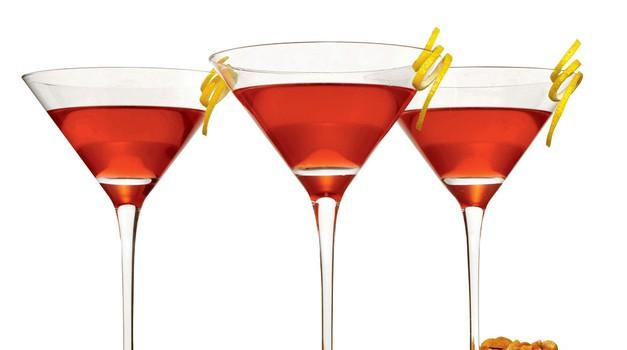Zaradi pretiranega uživanja alkohola se lahko nalezeš spolno prenosljive bolezni.  (foto: Tamara Schlesinger, Fabio Heizenreder, Jesus Ayala/Studio D)