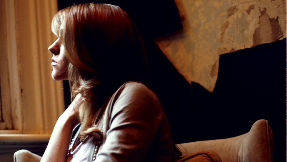 Po napadu seks lahko izgubi vso intimnost. (foto: Chris Clinton)