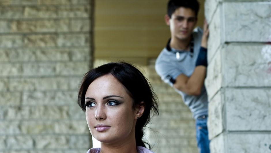 Izdajalski pogled (foto: Shutterstock)