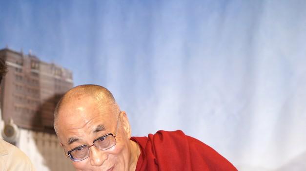 Jadranka Oblak o predavanju Dalajlame v Mariboru