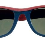 Vsaj dvoje očal. Obožujem raybanke, ki ne gredo nikoli iz mode in so videti dobro z vsakim outfitom.  (foto: Helena Kermelj, Alex Štokelj)