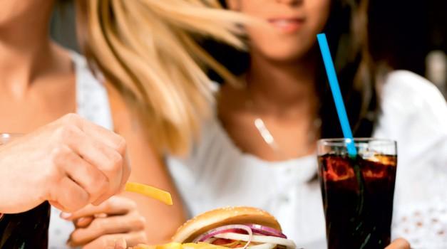 Gazirane pijače – sladkorni  šok  (foto: Shutterstock)
