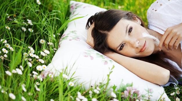 Kako zaspati v vroči poletni noči? (foto: shutterstock)