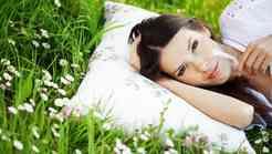 Kako zaspati v vroči poletni noči?
