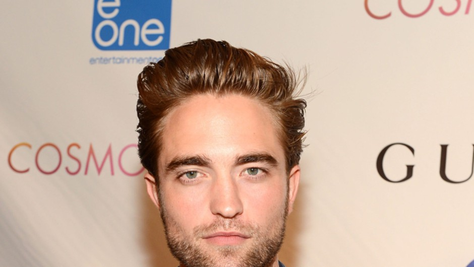 Robert Pattinson se postavlja na noge (foto: Guliver Image/Getty Images)