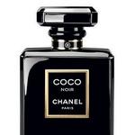 Misteriozna, Chanel Coco Noir: tudi pri Chanelu so se prvič odločili za črno dišavo, stekleničko iz oniksa, ki skriva orientalsko, sofisticirano in elegantno dišavo. Všeč bo vsem, ki se rade počutijo misteriozno in seksi. (foto: Arhiv proizvajalcev)
