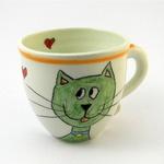 Ljubke unikatne skodelice za kavo, ki nastajajo v lončarski delavnici mojstra Iztoka Mlakarja, si lahko ogledate na spletni strani www.loncarstvomlakar.si. Cena: 10 do 12 EUR. (foto: ustvarjalci)