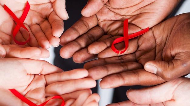 Akcija študentov medicine - Prvi december – Svetovni dan boja proti aidsu (foto: shutterstock)