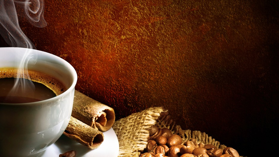 Cosmo & Kofetko častita s kavo po tvojem okusu ;) (foto: shutterstock)