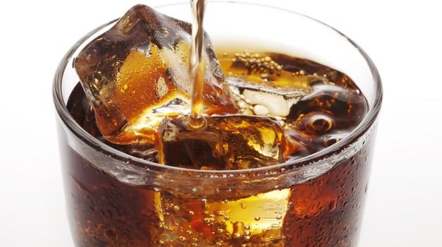 Vse o 140 kalorijah iz pločevinke Coca-Cole! (foto: shutterstock)