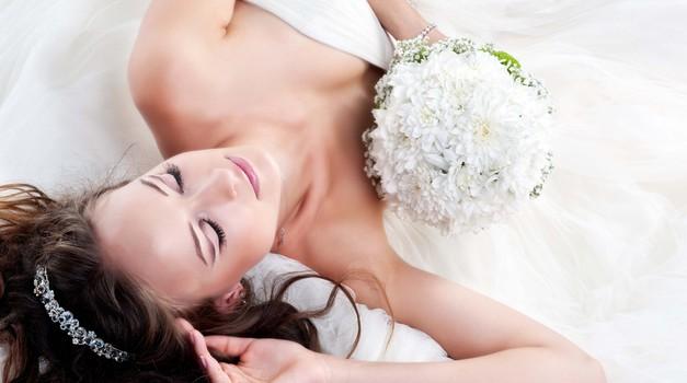 Poročni sejem z ekskluzivno modno revijo Maje Ferme v Mariboru (foto: shutterstock)