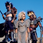Leta 1985 je zaigrala v avanturističnem znanstvenofantastičnem filmu Pobesneli Max 3.  (foto: Profimedia, Shutterstock, Getty Images)