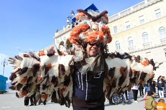 Karneval v Trstu napovedal Europeo 2014 in prinesel pomlad! (foto: Goran Antley)