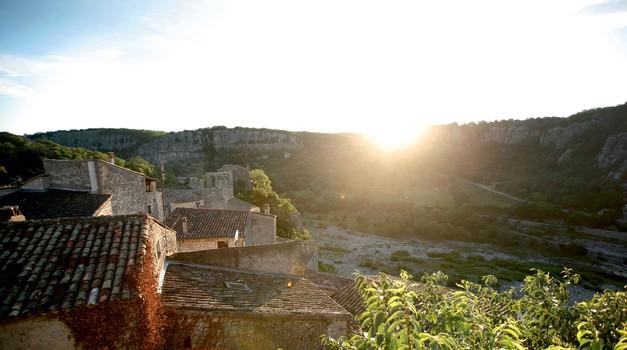 Sončni zahod v tipični vasici (foto: promocijski materijal)
