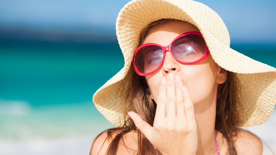 Sončenje zdravju škodi, še bolj pa koristi!? (foto: shutterstock)