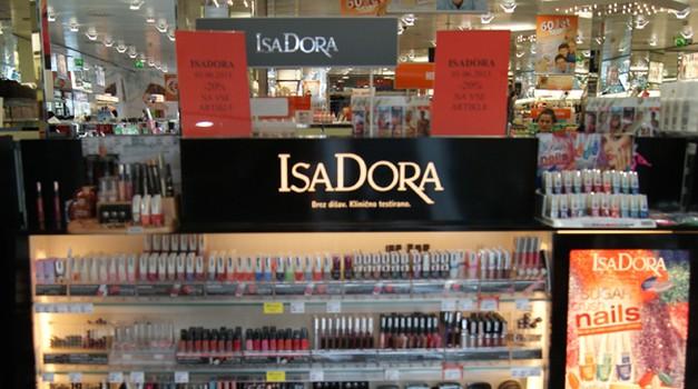 IsaDora je prava izbira za poletno barvitost! (foto: Živa Gedei)