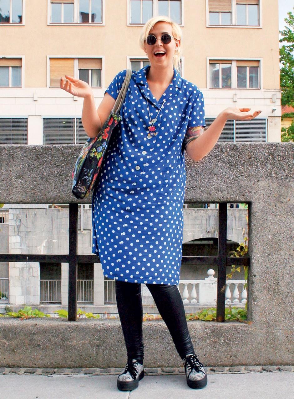 O tem, kako si želim poletje, vročino, soparo, poletne nevihtice, sandale, japonke, lanene obleke, lahke bombažne majice. O tem, kako komaj čakam poletne festivale, koncerte, žure ... O tem, kakšne dežne škornje potrebujem to poletje – za festivale seveda. Da bom pripravljena na vse! Pia, 24 let  (foto: xy)