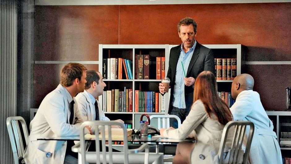 Hugh Laurie: Petje je kot vožnja z bentleyjem (foto: Profimedia, arhiv Dallas)