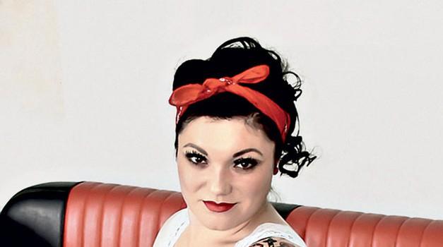 Pevka Maja Založnik ima kar 14 tatujev. (foto: Helena Kermelj, Mima, Ana Gregorčič, Goran Antley, Sonja Deimant, Tibor Golob, osebni arhiv)