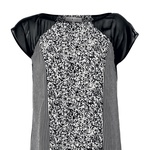 Obleka, Dorothy Perkins (35 €) (foto: Ben Watts, Primož Predalič, promocijsko gradivo. Cene so veljale pred razprodajami.)