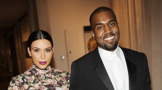 Kim Kardashian in Kanye West ne želita prodati fotografije njune hčerke (foto: Profimedia)