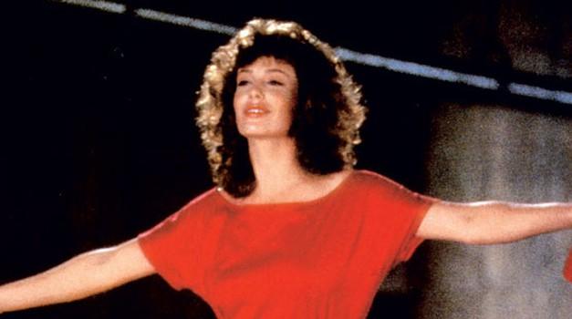 Romantična komedija Ženska v rdečem je postala prava senzacija. (foto: profimedia)