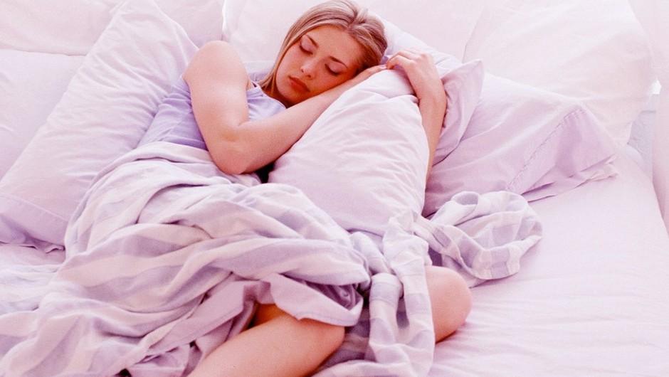 Preveč spanja ti lahko škodi (foto: profimedia)