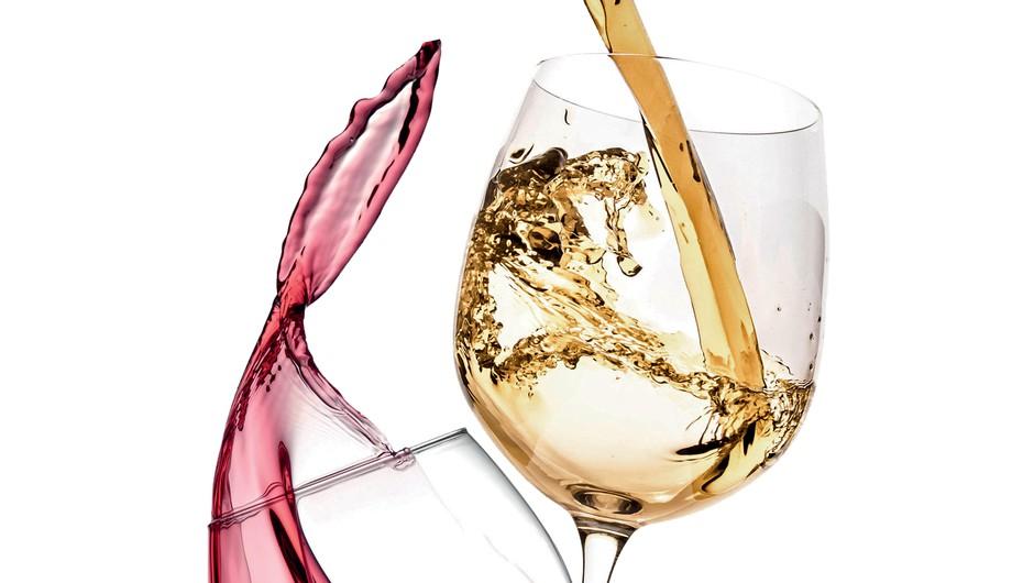 Pij vino kot prava sommelierka (foto: Robert Kato/Studio D, Picsfive, Shutterstock)
