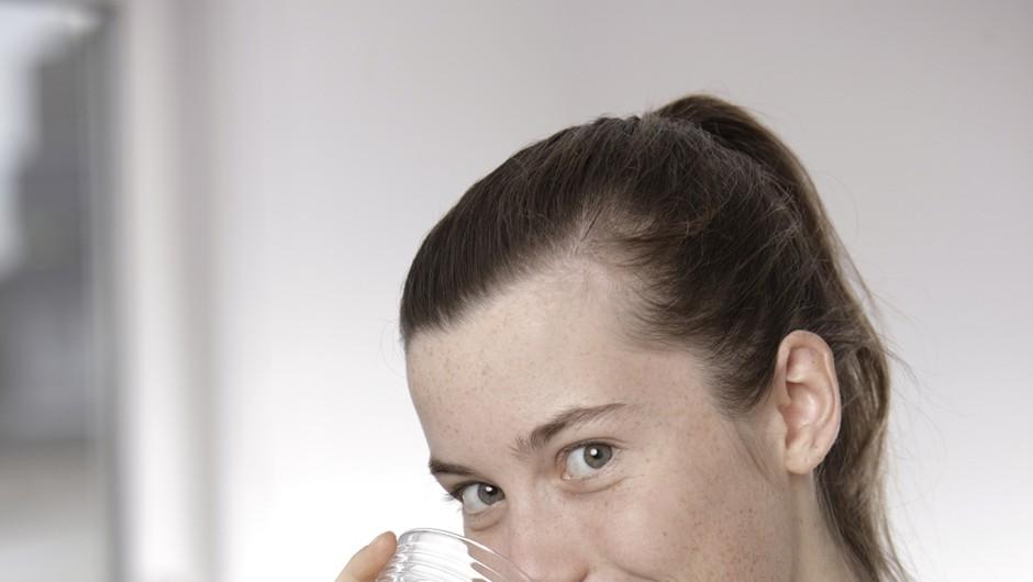 Želiš biti bolj zdrava? Pij vodo! (foto: profimedia)