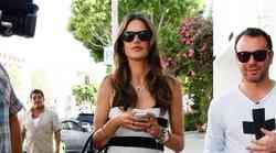 Alessandra Ambrosio modno po nakupih