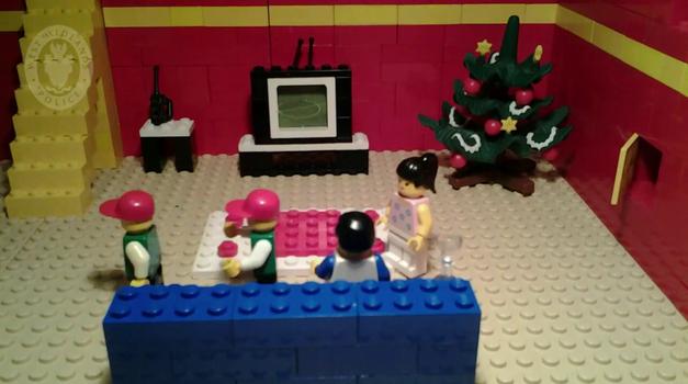 Kocke pravijo, da zavarujte svoja darila (foto: YouTube)