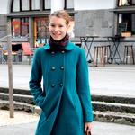 Sem študentka prava in se mi ravnokar mudi na predavanje. Razmišljam pa o tem, kako lepa je Ljubljana v soncu, in da zelo piha - Špela, 20 let (foto: Hana Brezovnik)