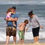 Hoffman je za seboj pustil 10-letnega sina in dve hčerki, stari 7 in 5 let.  (foto: profimedia)