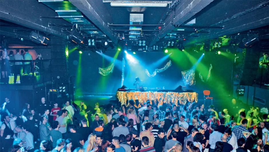 Velika disko zabava v ljubljanski Cvetličarni (foto: Story press)