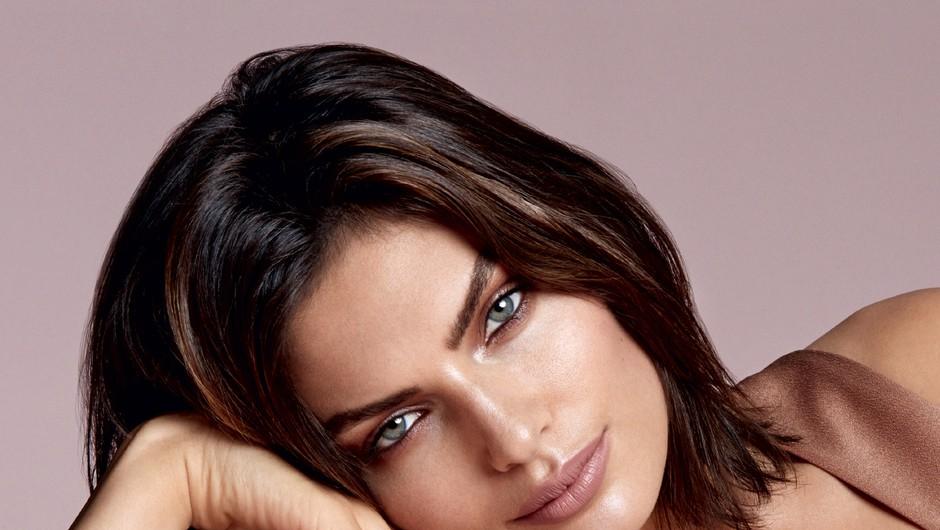 Nežen, seksi in naraven make-up: Kovinski odsev  (foto: Cosmo)