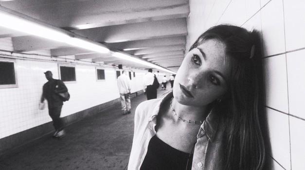 Vprašaj Alico - dnevnik petnajstletne odvisnice (foto: profimedia)