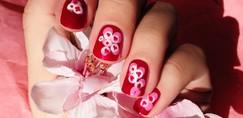 Lepotni trend - manikira s češnjevimi cvetovi