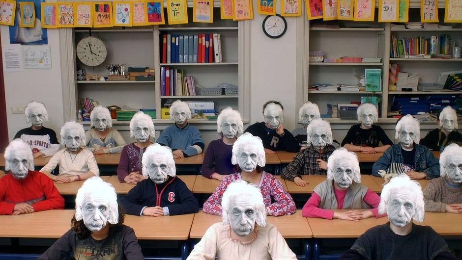 Otroci v današnji družbi, ki vse stavi na inteligenco. (foto: profimedia)