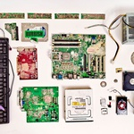 Uničeni računalniki uredništva Guardian (foto: profimedia)