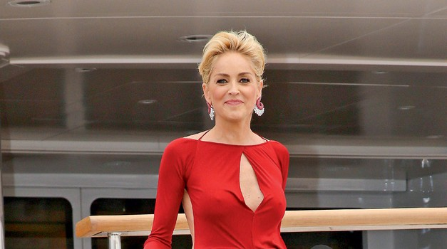 Sharon Stone osupnila v Cannesu (foto: profimedia)