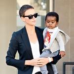 Bioloških otrok nima, je pa zato marca 2012 posvojila dečka, ki mu je nadela ime Jackson. (foto: Profimedia)