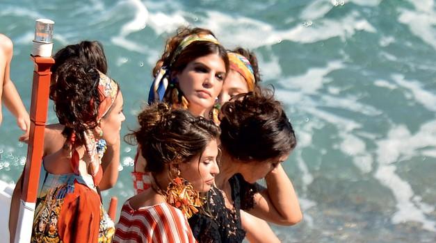 Moda za ognjevita dekleta (foto: predalič, getty images)