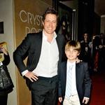 Hugh je boter njenega 12-letnega sina Damiana, s katerim pogosto preživlja čas. (foto: Profimedia)